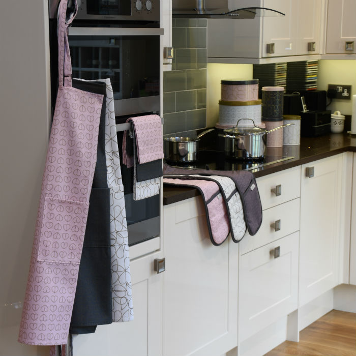 Tea Towels, Aprons and Oven Gloves