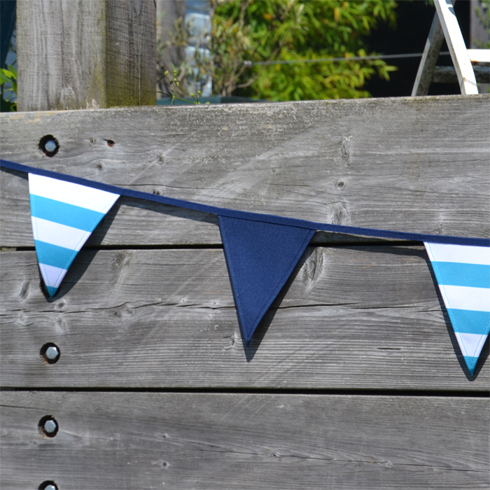 The bunting is perfect for any occasion such as; outdoor décor and activities, dining, parties, birthday celebrations, tea parties and much more.